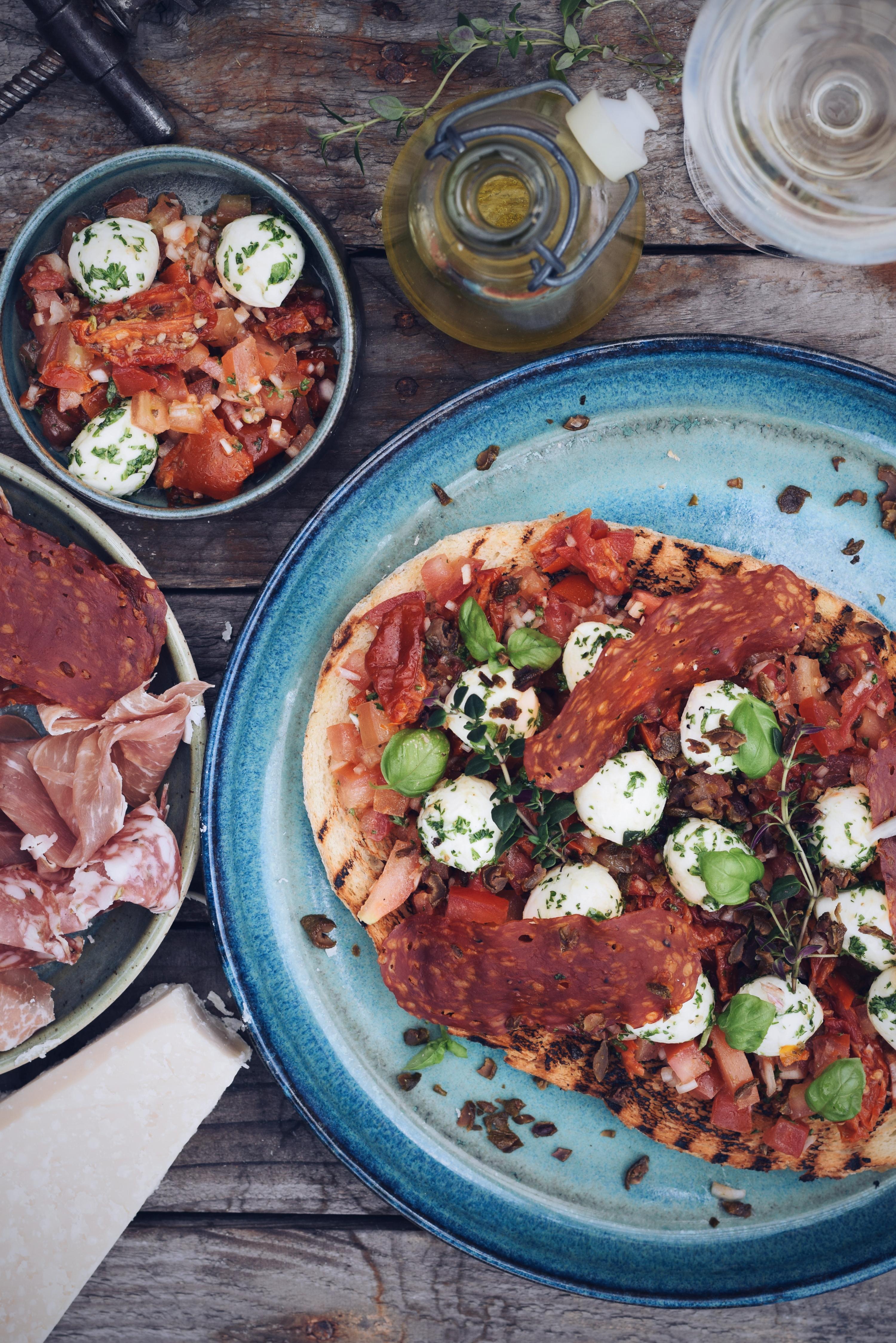 Bruscetta met tomaat en mozarella